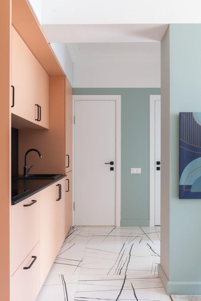 Amenajare colorata cu accente retro intr-un apartament din Moscova. 3