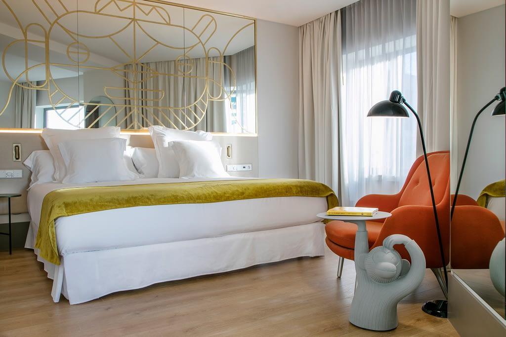 Amenajare jucausa, plina de culoare in hotelul Barcelo Torre de Madrid. 05