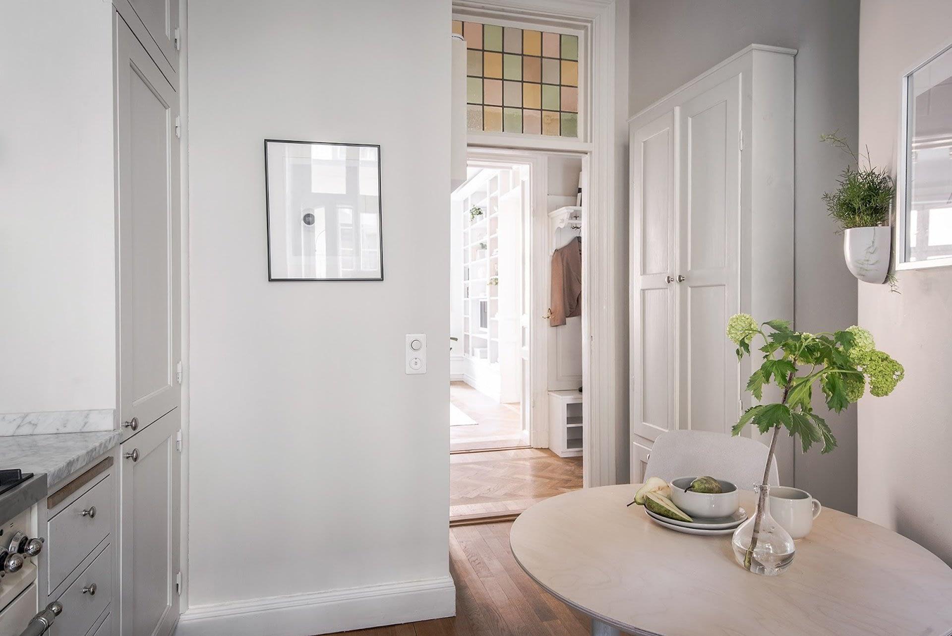 Amenajare scandinava in tonuri naturale de culoare intr-un apartament de 43 mp. 20